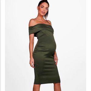 Dresses & Skirts - Green off the shoulder maternity dress!